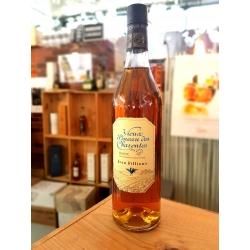 Vieux Pineau Blanc Fillioux dans notre boutique d'Angoulême - Cognac Spirits